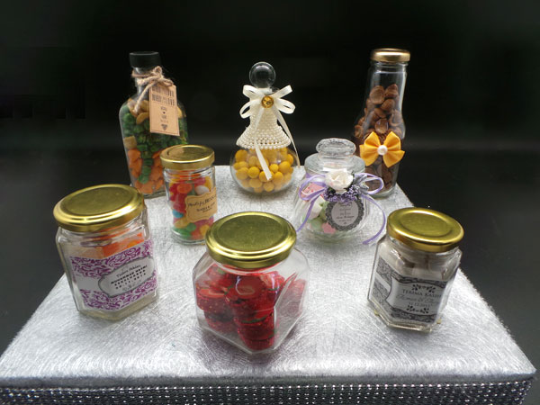 7 cute uses for mason jars at your next barbeque door gift. Black Bedroom Furniture Sets. Home Design Ideas